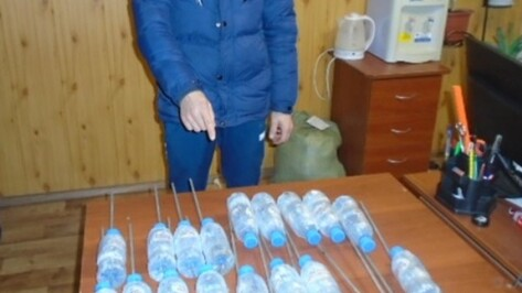 Через забор колонии в Воронежской области пытались перебросить алкогольный «букет»