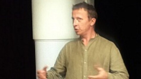 В Воронеже Иван Охлобыстин рассказал, как на последнем звонке его напугали одноклассницы