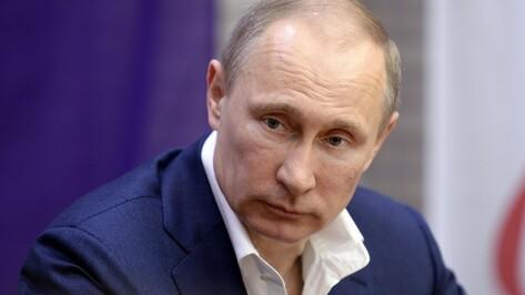 Владимир Путин продлил срок действия продовольственного эмбарго на год