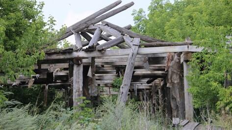 В Воронежской области мужчина погиб под обрушившейся стеной барака
