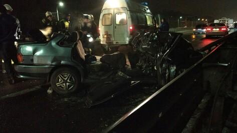 Последствия массового ДТП на выезде из Воронежа попали на видео