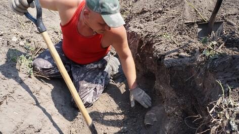 Жители верхнемамонского хутора  нашли останки двоих советских воинов