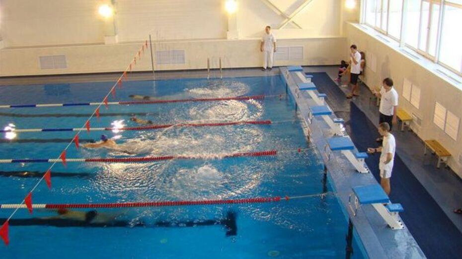 Хохольские школьники взяли  два «золота» в IV межрайонных соревнованиях по плаванию