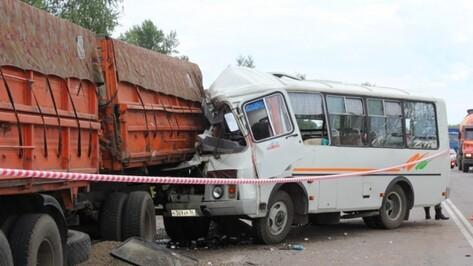 Полиция возбудила уголовное дело по ДТП с «ПАЗом» и «КАМАЗом» под Воронежем