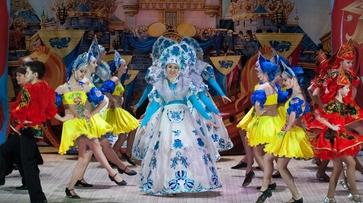 В Лисках прошла премьера новогоднего спектакля «Красота несказанная»
