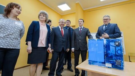 Губернатор Воронежской области подарил Таловскому детскому центру 3D-принтер