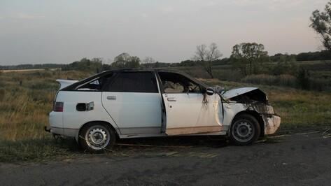 Под Воронежем пьяный водитель-лихач угодил на «ВАЗе» в пруд: два парня погибли