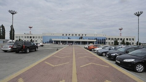 Парковка возле воронежского аэровокзала стала платной