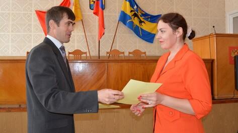 В Богучаре 8 семей получили свидетельства на приобретение жилья
