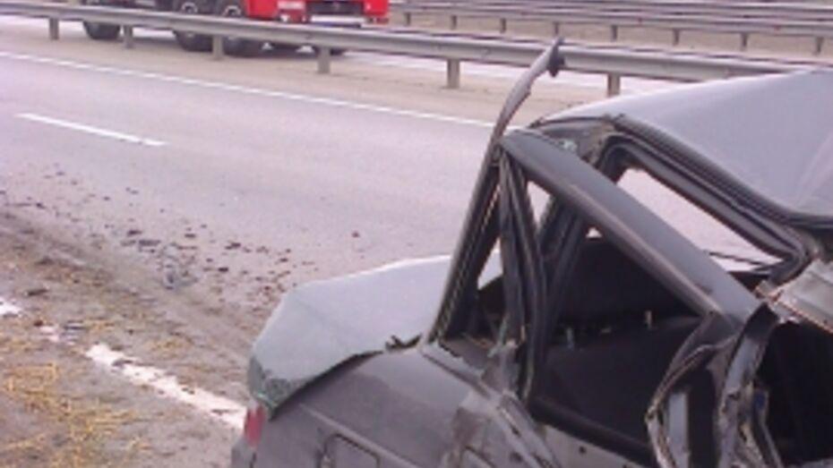 При столкновении «ВАЗа» с трактором под Бобровом погибли павловчане