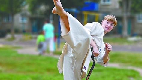 Россошанка пронесла олимпийский огонь по набережной Массалитинова