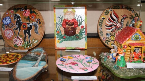 В Подгоренском музее открылась выставка воспитанников школы искусств