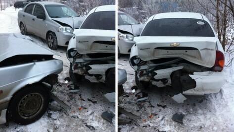 Подвыпивший воронежец во время побега от полиции смял на парковке 4 машины