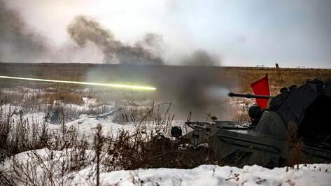 Воронежские военные отбили атаку условного противника залпами бронемашин