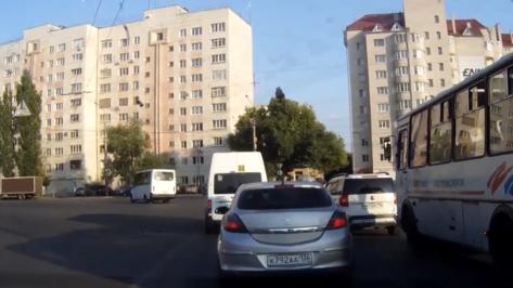 В Воронеже попавшего на видео водителя маршрутки оштрафовали на 6 тыс рублей