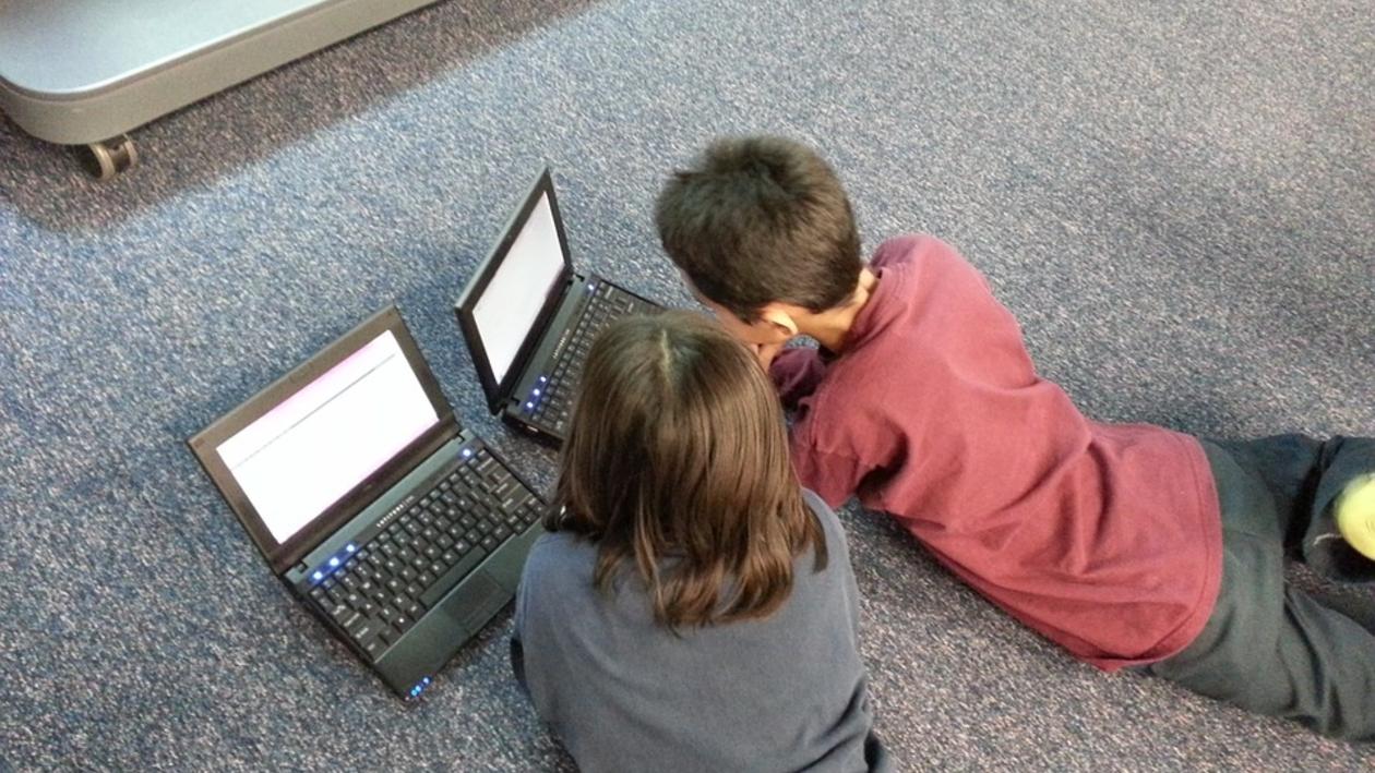 «Цифровое слабоумие». Воронежцам рассказали, какие опасности могут ждать детей в Сети