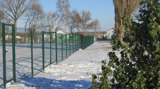 В репьевском селе Краснолипье благоустроили построенный в 1970-е годы стадион