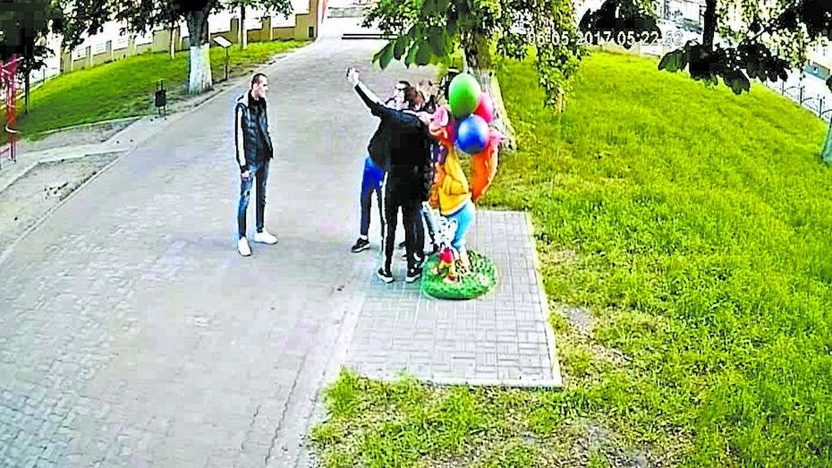 Власти Борисоглебска простили повредивших фигуру Кота Леопольда юношей