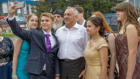 В Аннинском районе медали получили 22 выпускника