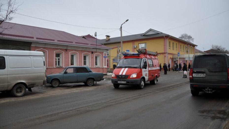 В Павловске бесхозная сумка парализовала движение на центральной улице города