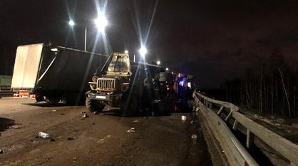 Два грузовика с прицепами столкнулись в Воронеже: погиб 52-летний ростовчанин