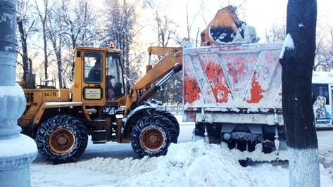 За выходные из центра Воронежа вывезли 4,6 тыс кубометров снега