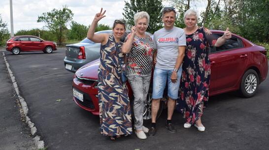 В Борисоглебске активисты многоэтажки сделали асфальтированную парковку на 30 автомобилей