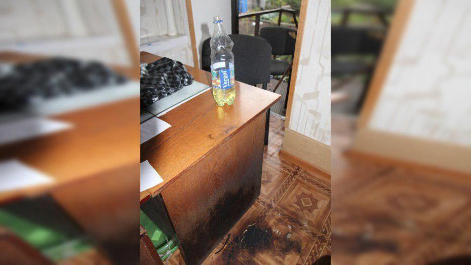 В Воронежской области мужчина попытался прилюдно покончить с собой в офисе