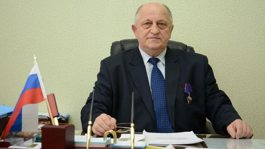 Директора острогожского сельхозтехникума наградили за службу в Афганистане