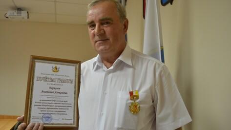 Руководителя нижнедевицкого сельхозпредприятия наградили почетным знаком правительства Воронежской области