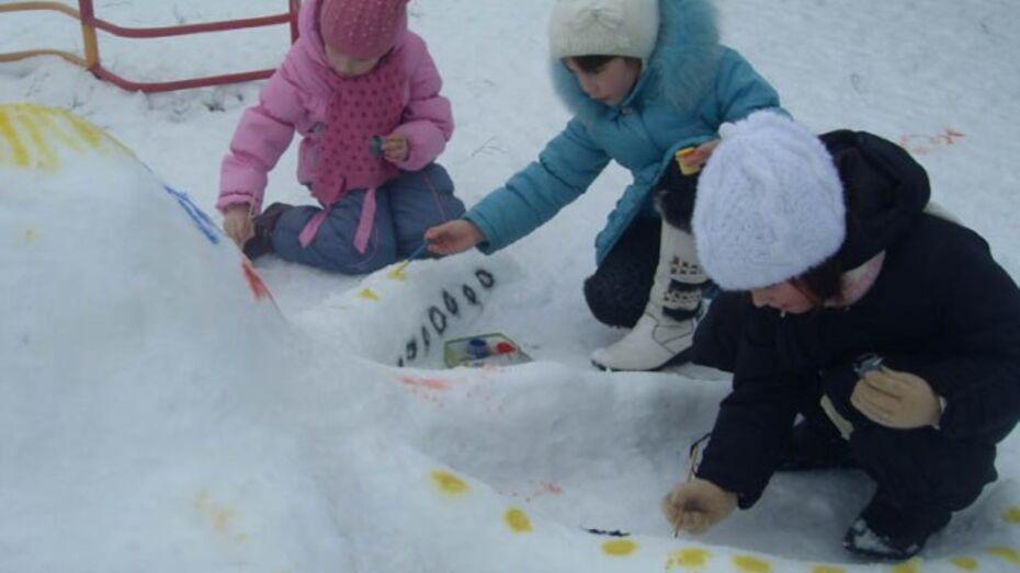 Бутурлиновские дети раскрасили снеговиков
