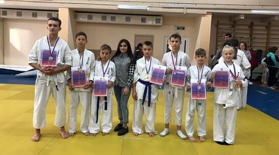 Кантемировские каратисты выиграли 4 «золота» на открытом областном первенстве