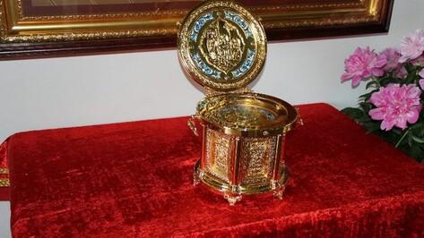 В Новоусманский район привезли мощи Святителя Николая