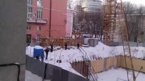 СК возбудил уголовное дело после падения башенного крана в центре Воронежа