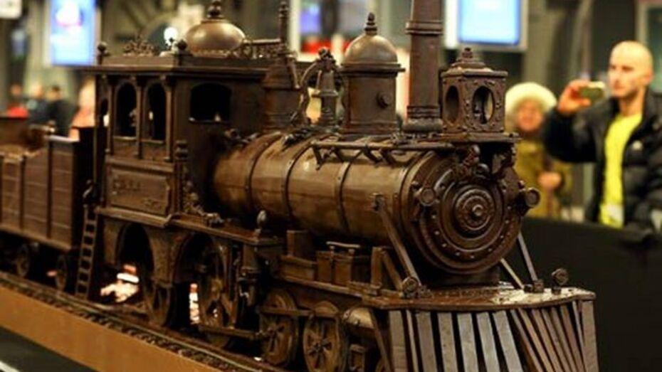 Бельгийцы изготовили самый большой шоколадный поезд в мире