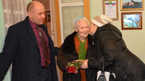 Поворинскую труженицу тыла с 90-летием поздравил Владимир Путин