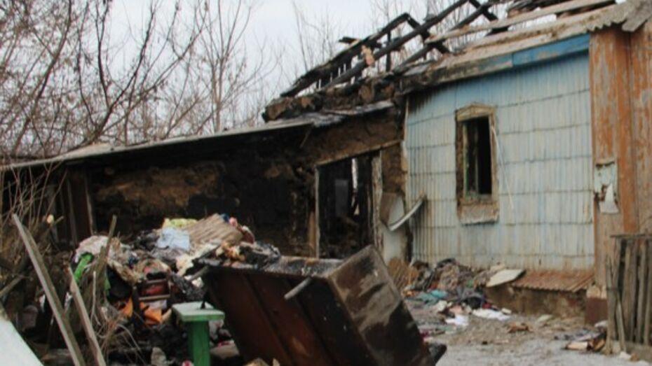 В Каширском районе пожилой женщине связали руки и оставили в горящем доме