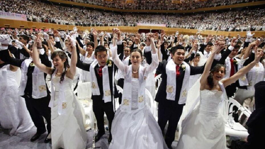 3,5 тысячи одновременно сочетались браком на массовой свадьбе в Южной Корее