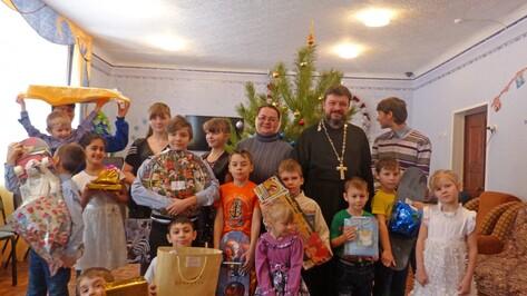 Лискинским детям-сиротам подарили «Рождественское чудо»