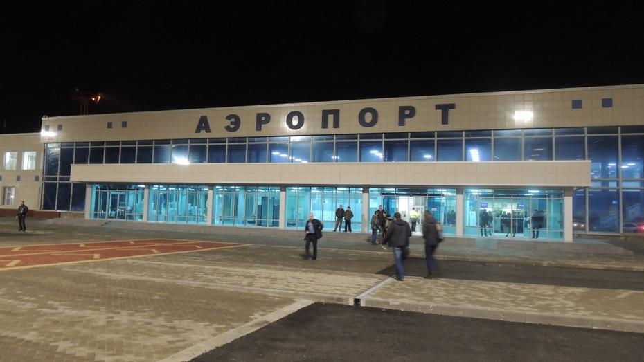 Московский снегопад повлиял на работу воронежского аэропорта