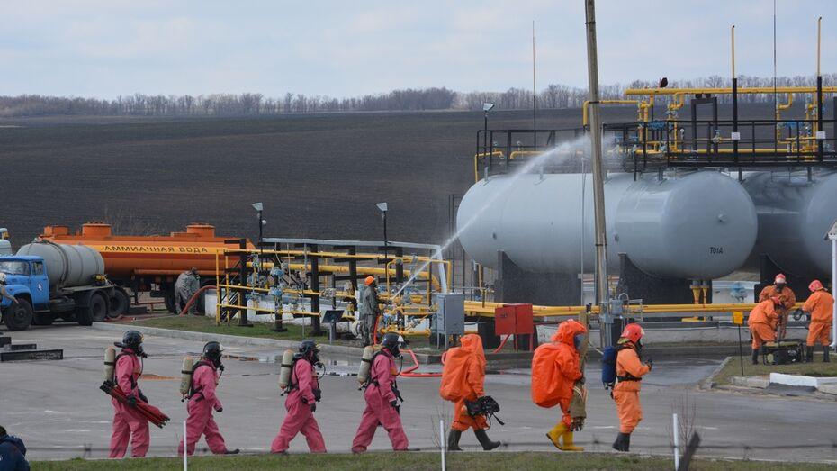 В Россошанском районе прошли учения по ликвидации ЧС на аммиакопроводе