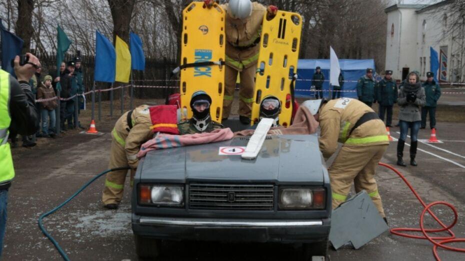 Воронежские спасатели победили на соревнованиях в Смоленске