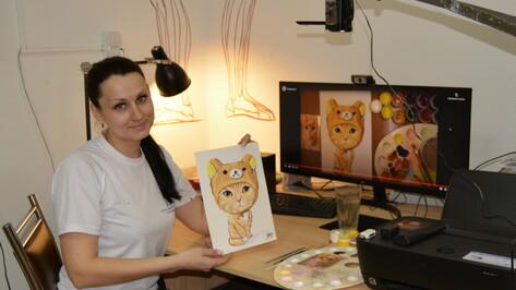 Россошанская художница представила в соцсети бесплатные мастер-классы по живописи