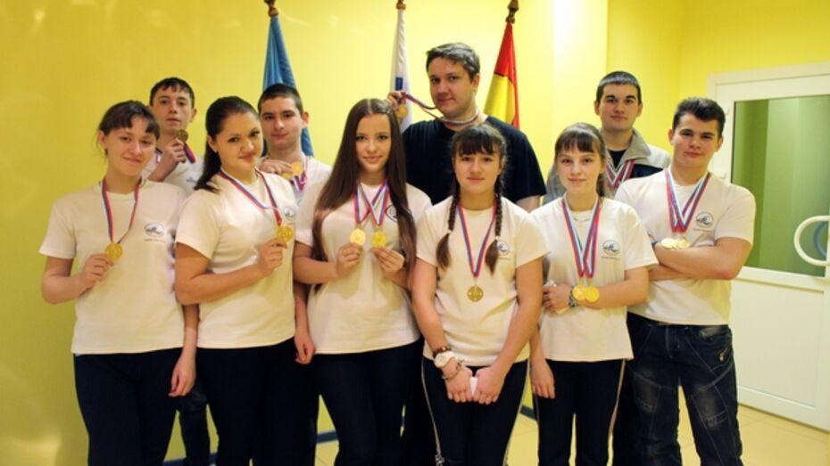 Хохольская сборная заняла первое место в областной спартакиаде школьников по плаванию