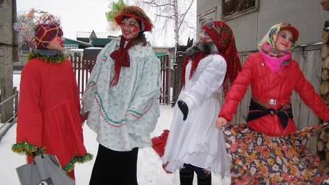 Накануне Рождества к нижнедевидцам зашли ряженые