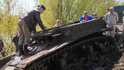 В Воронежской области из Дона вытащили американский танк