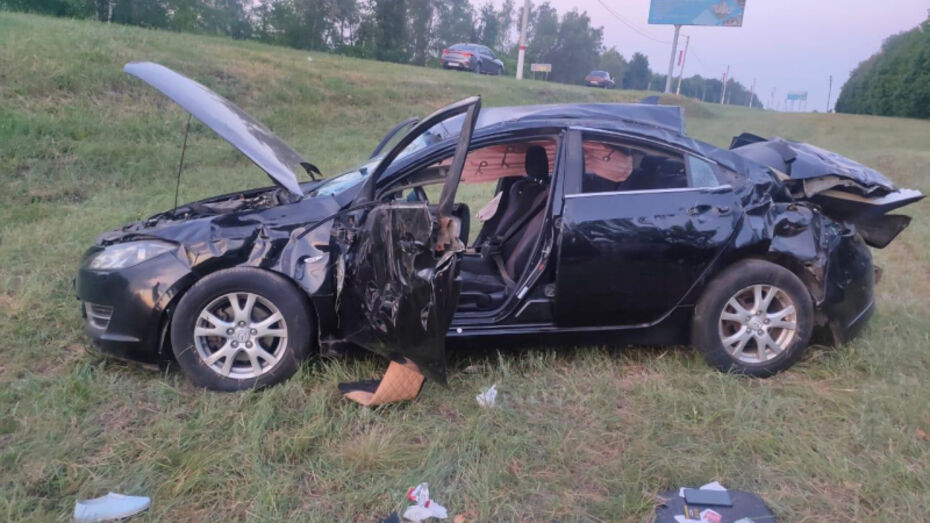 В Воронежской области иномарка опрокинулась в кювет: водитель погиб