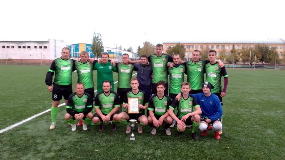 Ольховатские футболисты выиграли серебряный Кубок областного турнира