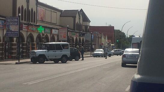 В Острогожске эвакуировали посетителей торговых рядов из-за бесхозной сумки