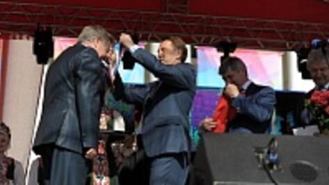 В Воронеже в День города общественники, ветераны и педагоги получили почетные награды